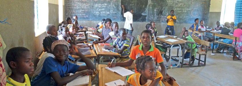 Les enfants en classe au Burkina Faso