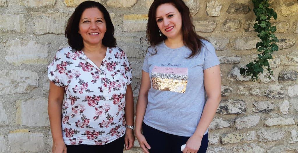 Dina Raouf, Directrice partenariats de l'AHEED et Cheri Reda, Coordinatrice du projet Partage.