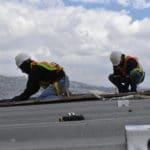 Installation des panneaux solaires en Equateur