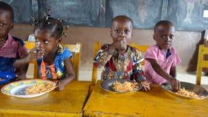 Bénin : les cantines scolaires assurent l'accès à l'alimentation - L'association Partage agit